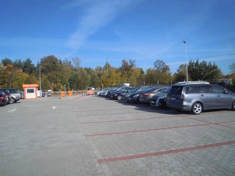 Parking przy modlinie Warszawa
